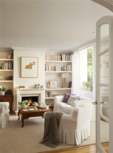 Cuatro salones peque os pero perfectos for Muebles de salon con chimenea