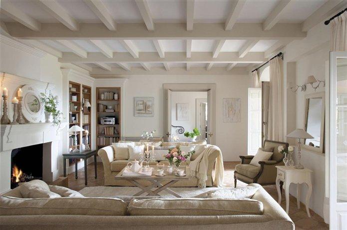 Baños Estilo Andaluz:Decoración clásica en una casa andaluza