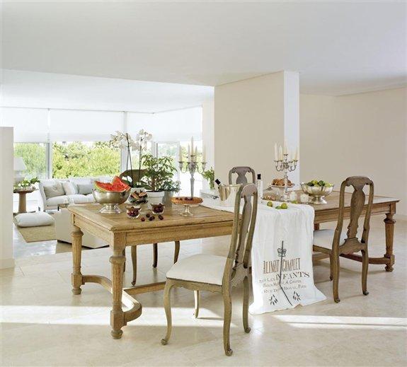 Una decoraci n blanca y transparente - Mesa transparente ikea ...