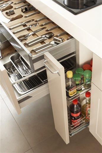 Secretos para ordenar la cocina for Despensas de cocina a medida