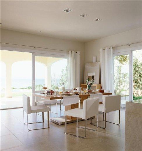 Amplia cocina abierta al mar mallorqu n - Oficios de ayer muebles ...