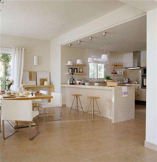 Amplia cocina abierta al mar mallorqu n for Cocinas y banos decoracion