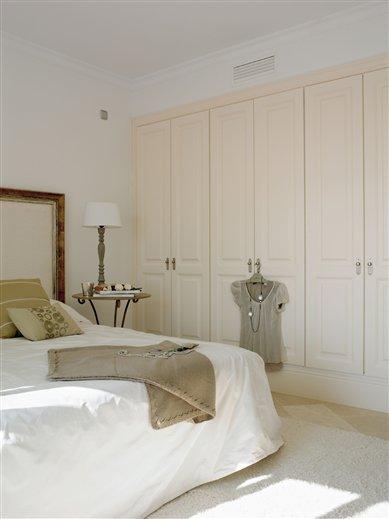 Stebbing house desing claves para una buena iluminaci n for El mueble armarios