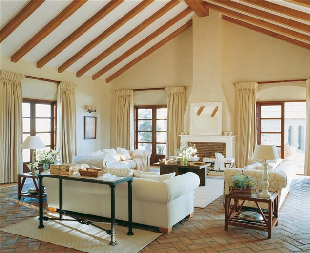 Beautiful Colonial Style Interior Decorated By English Interior Designer Camilla Tom