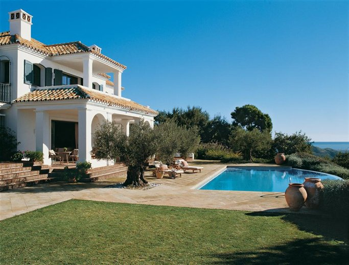 Classic style in marbella inspiring interiors for Classic mediterranean house