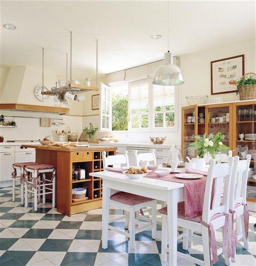 Cocina y office. Cocina y office, estilo alegre