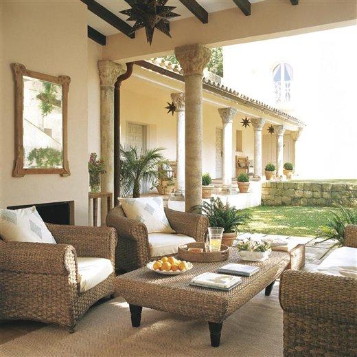 Sunshine in spain interior design ideas home decoration - Porches de casas ...
