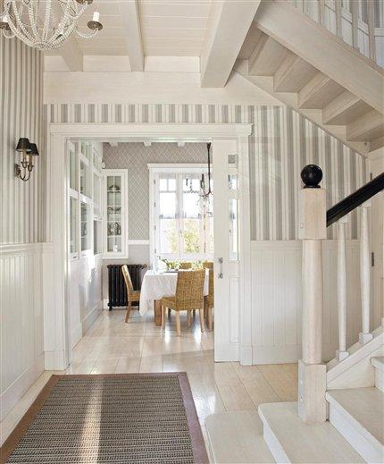 Una villa vasca renovada y encantadora - Papel pintado pasillo ...