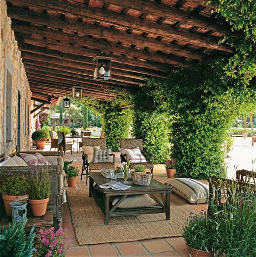 Mediterranean Style Gardens: Restored 17th Century Farmhouse In Spain