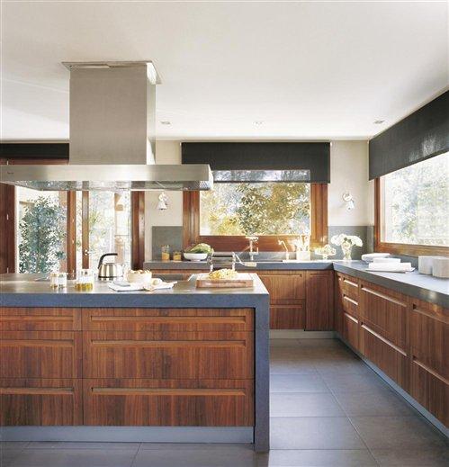 Cocina madera imagui for Cocinas color madera y blanco