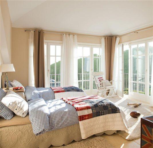 Rodeada de luz y de verde - Dormitorio infantil dos camas ...