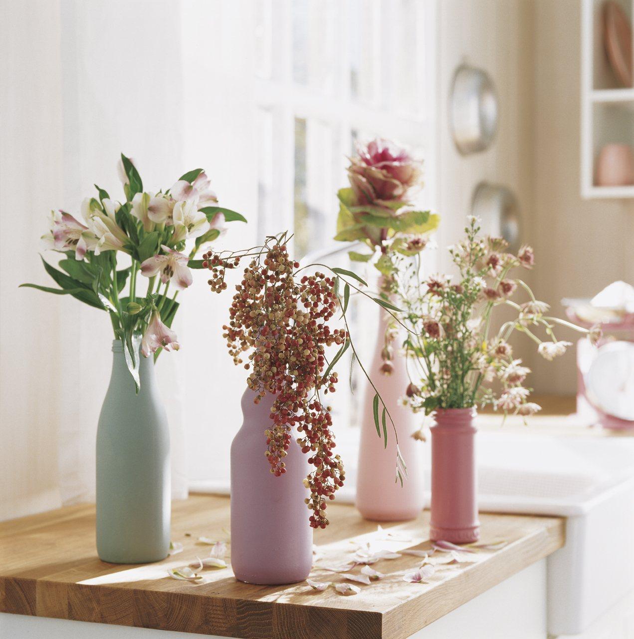 Recipientes originales para tus ramos for Adornos originales para decorar casa