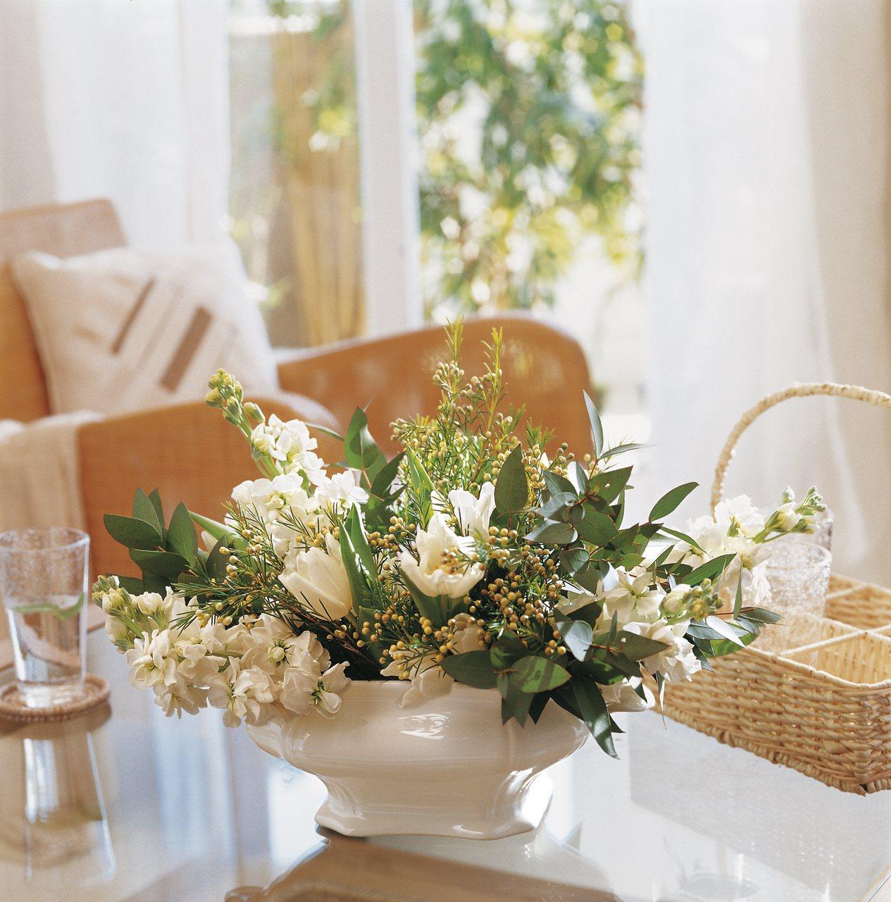 Recipientes originales para tus ramos - Hacer un centro de flores ...