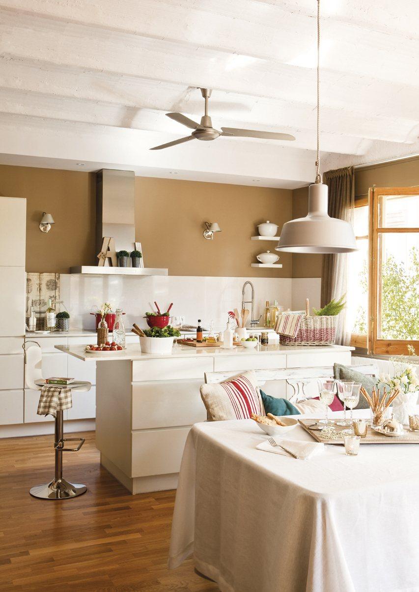 5 casas peque as reformadas for Casas pequenas interiores