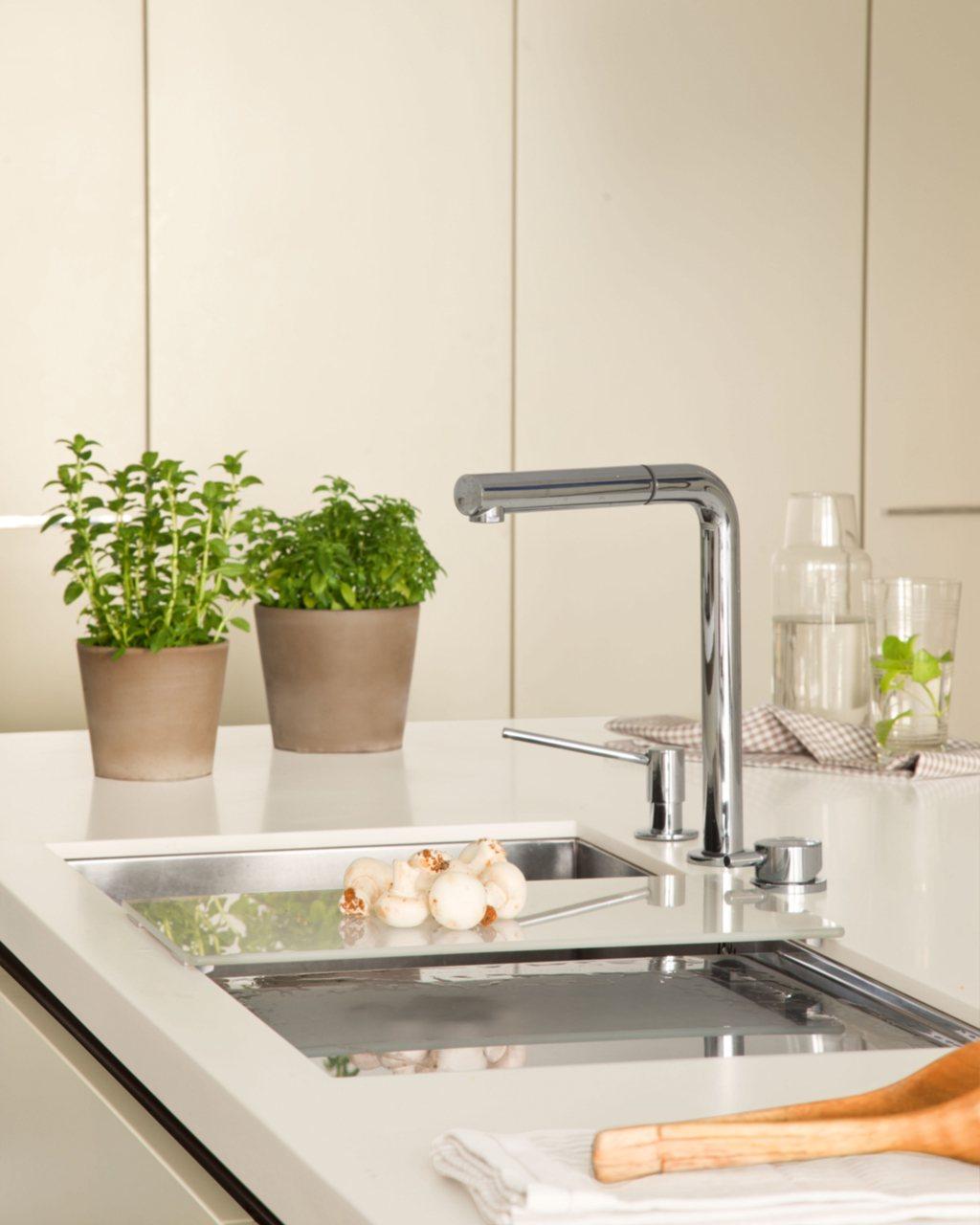 Reforma de una cocina con isla - Griferia cocina blanco ...