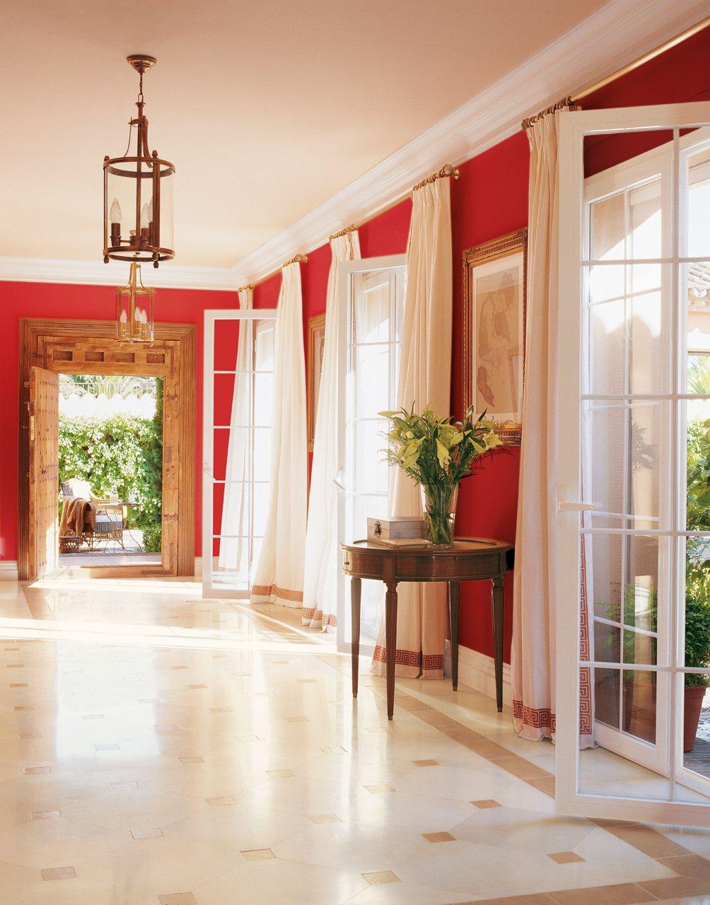 Los 6 colores de moda para renovar la casa - Colores pasillos interiores ...