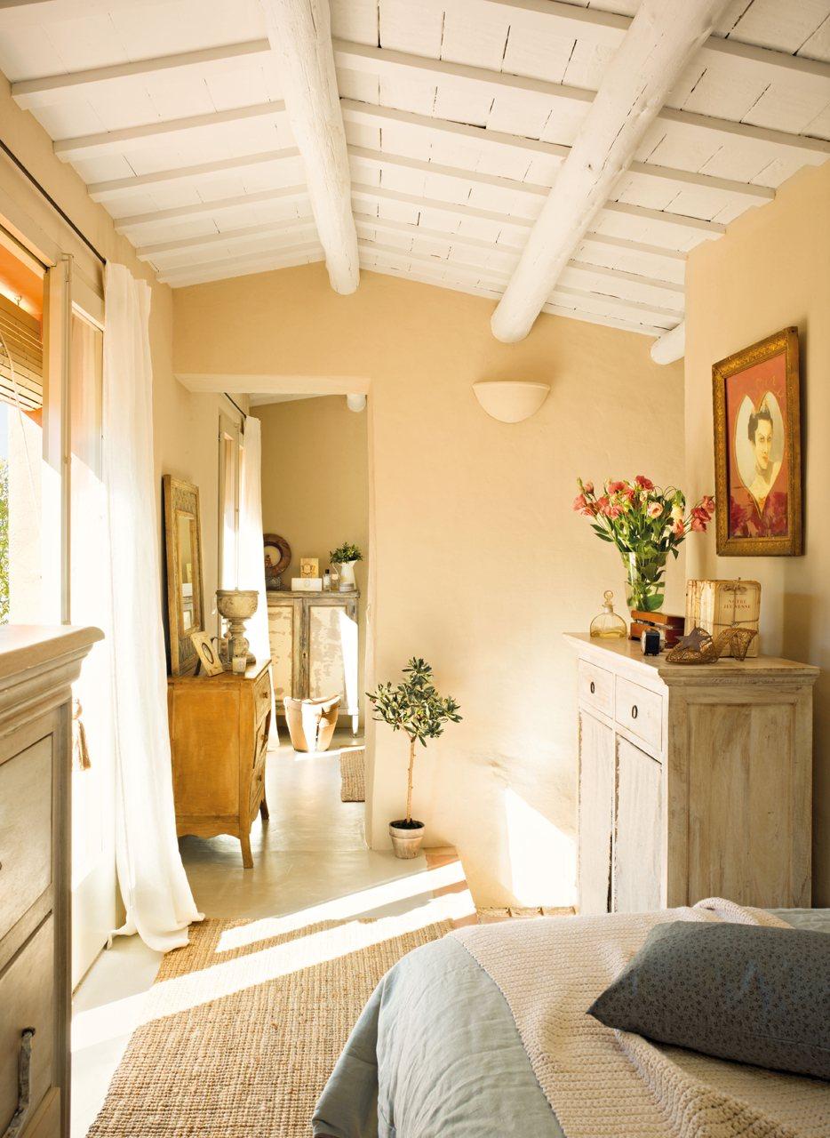 Una Casita De Pueblo Con Encanto R Stico Y Un Precioso Patio ~ Como Hacer Un Vestidor En Una Habitacion