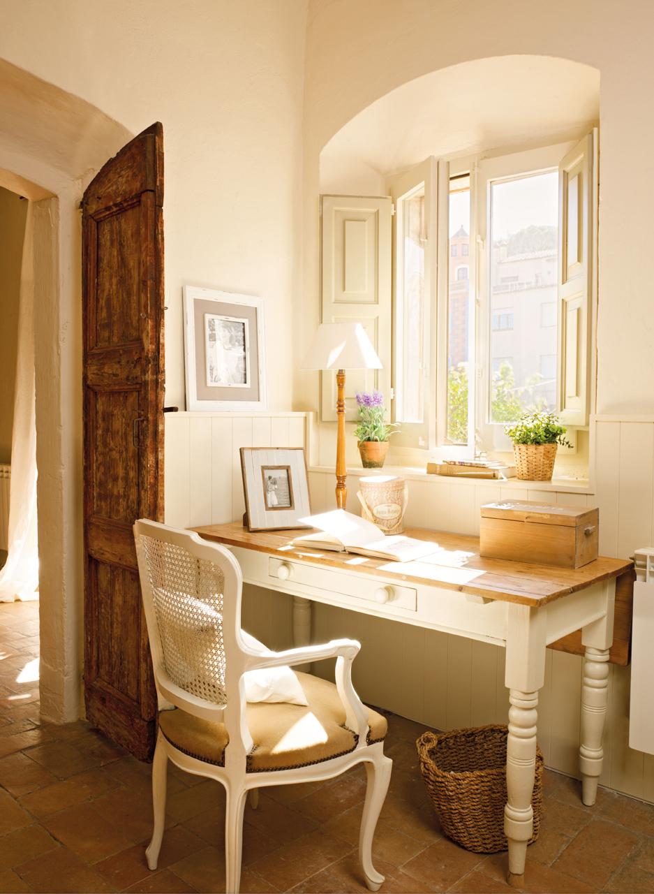Una casita de pueblo con encanto r stico y un precioso patio for Cocinas viejas reformadas