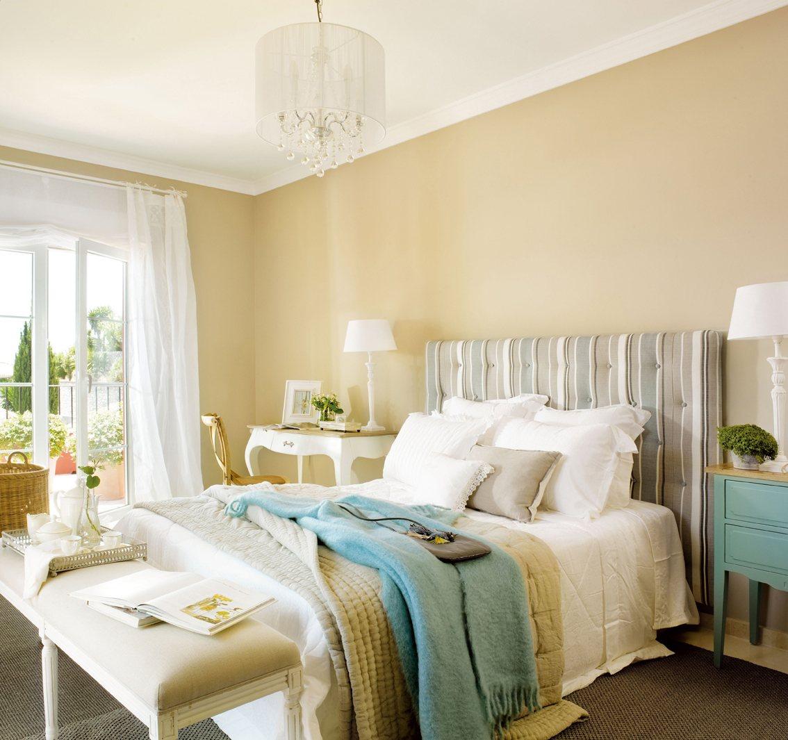 12 dormitorios renovados por el mueble - Mesas para dormitorio ...