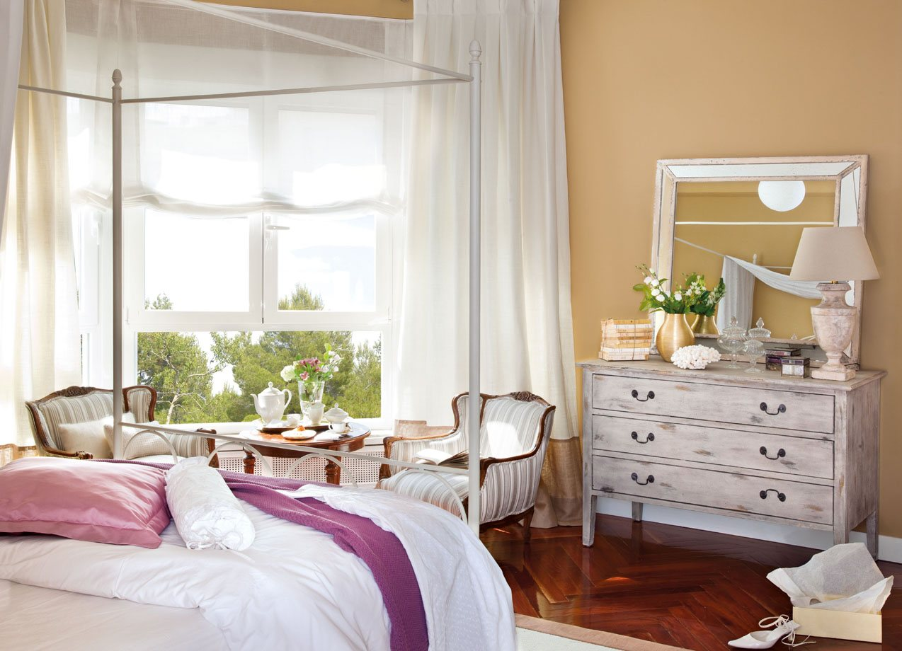 12 dormitorios renovados por el mueble for Revistas decoracion dormitorios