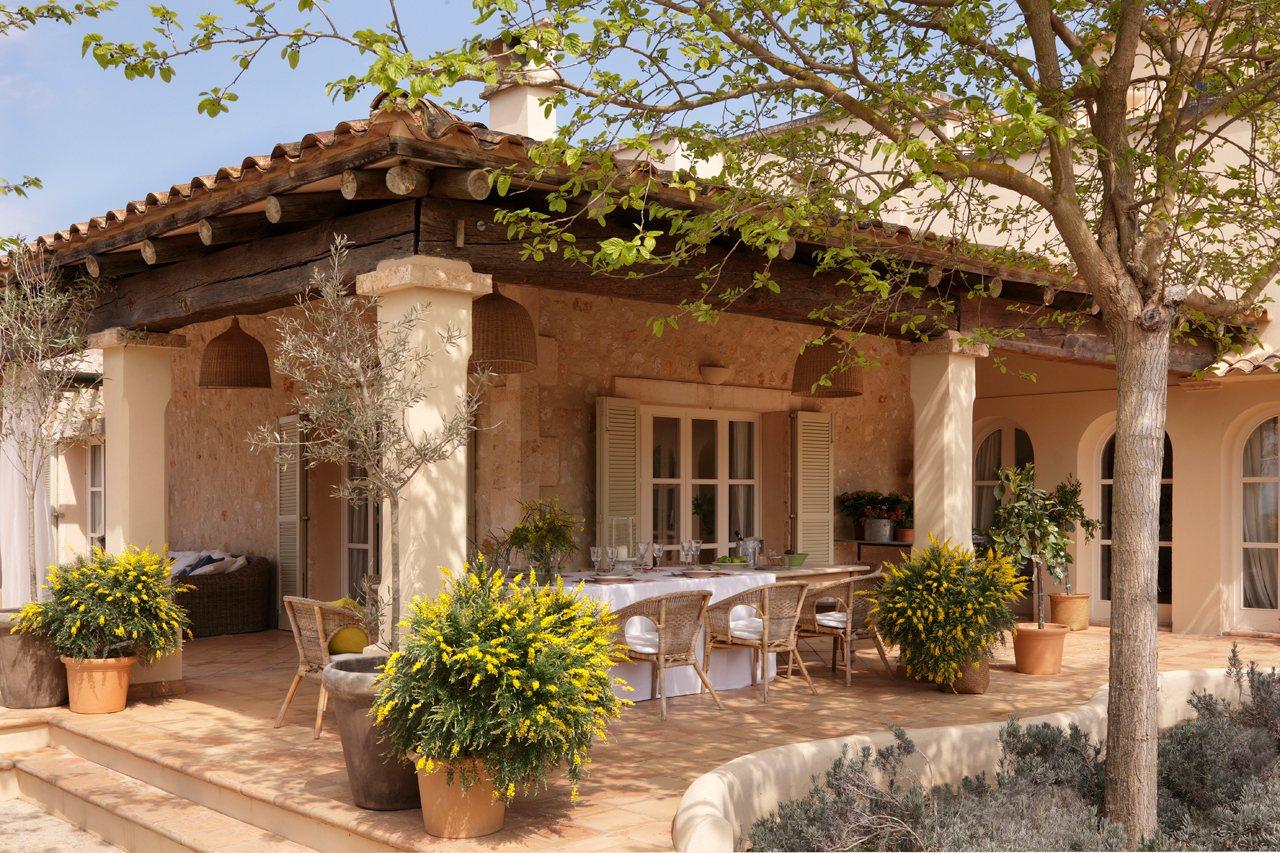 Una bonita y espectacular casa en mallorca - Que es un porche en arquitectura ...