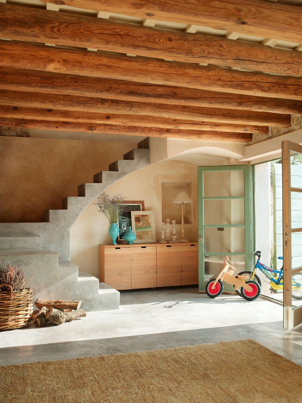 C mo transformar un granero en una casa r stica del ampurd n - Casas rusticas por dentro ...