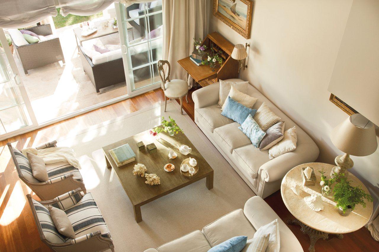 Una Casa De Madrid Con Piscina # Muebles Becara Segunda Mano