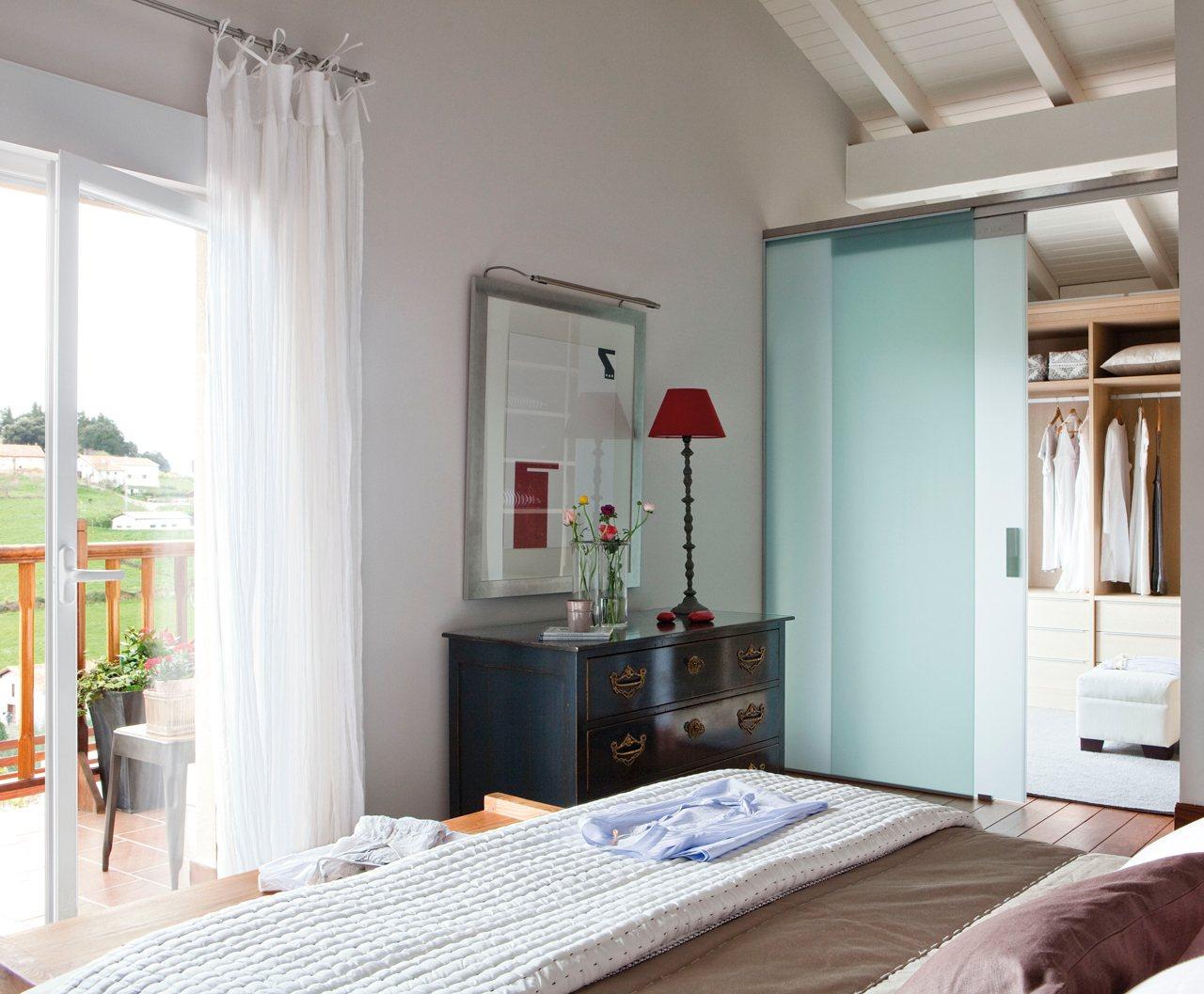 Planos low cost patricia necesita un dormitorio m s - Cristales para paredes ...