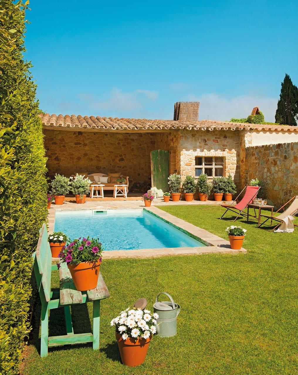 Una impresionante casa r stica del ampurd n for Fotos de casas de campo con piscina