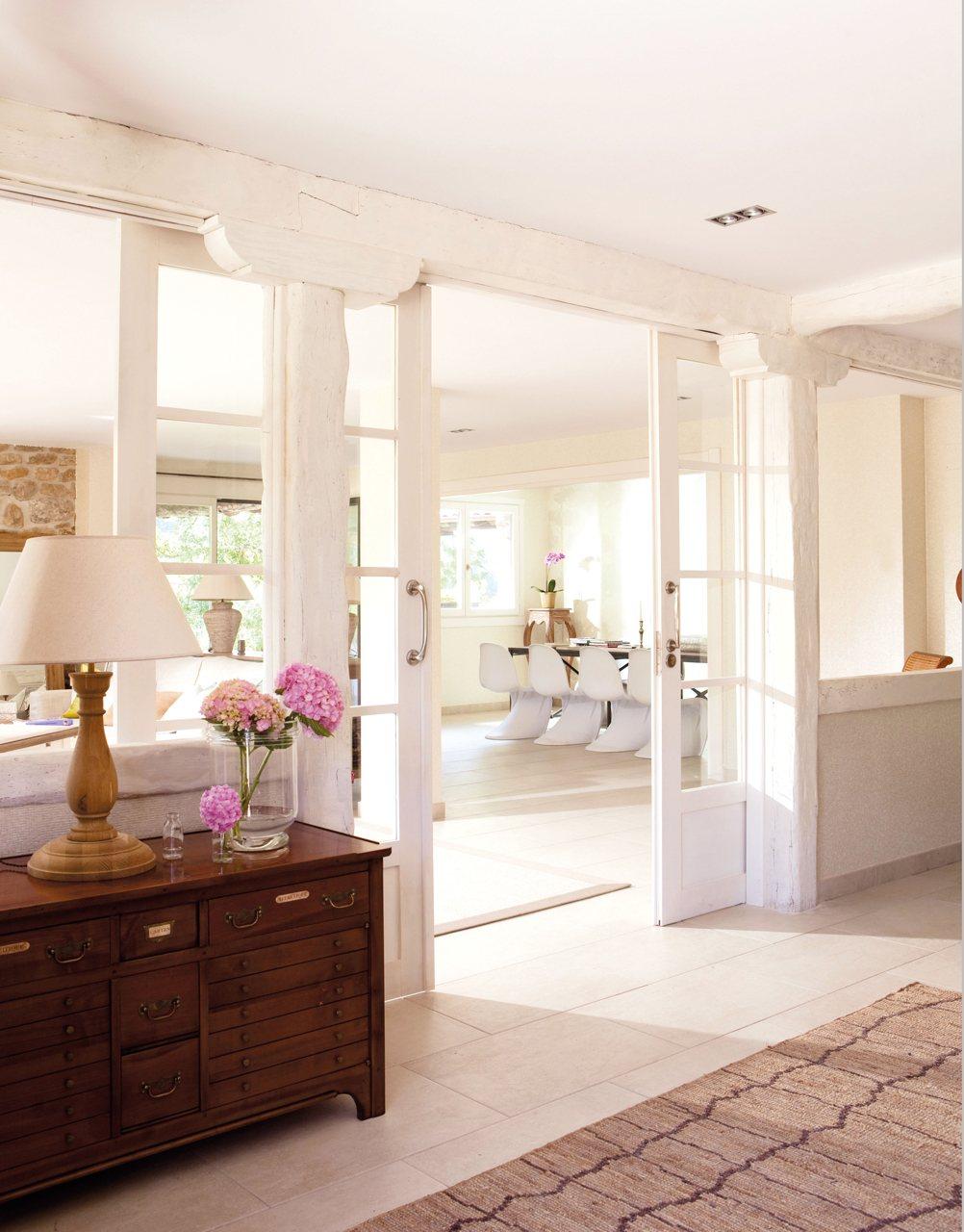 Instala paredes de cristal y gana luz y amplitud en casa - Puertas comedor ...