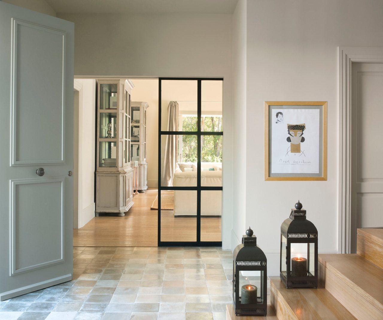Instala paredes de cristal y gana luz y amplitud en casa - Cristal puerta salon ...