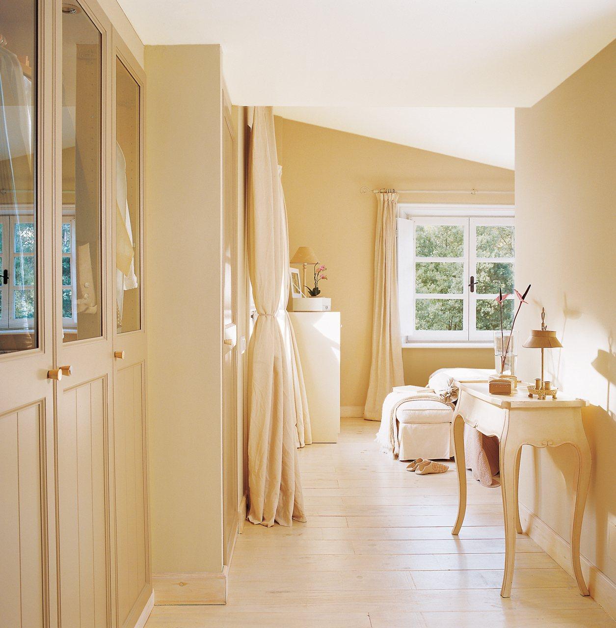 Los 10 vestidores muy pr cticos los favoritos de el mueble for Muebles practicos para casas pequenas