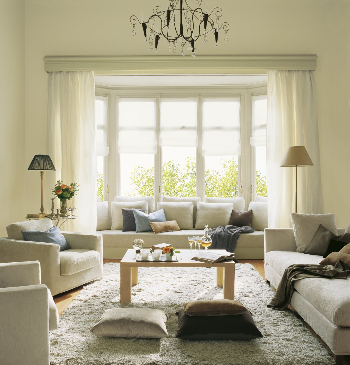 12 buenas ideas para renovar el sal n for Modernizar salon muebles clasicos