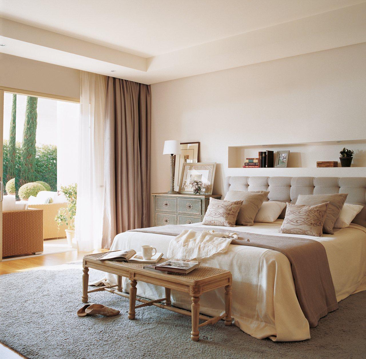 M s espacio para guardar en el dormitorio for Cuanto es un cuarto
