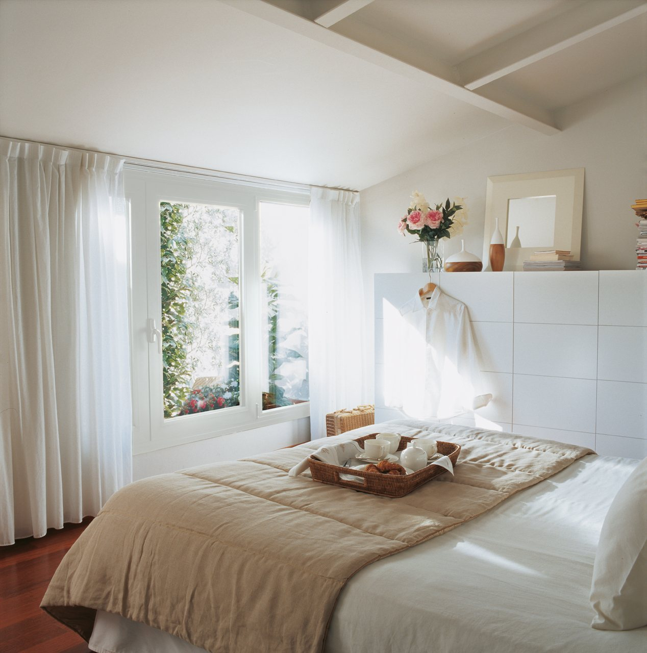 M s espacio para guardar en el dormitorio - Dormitorios con armario ...