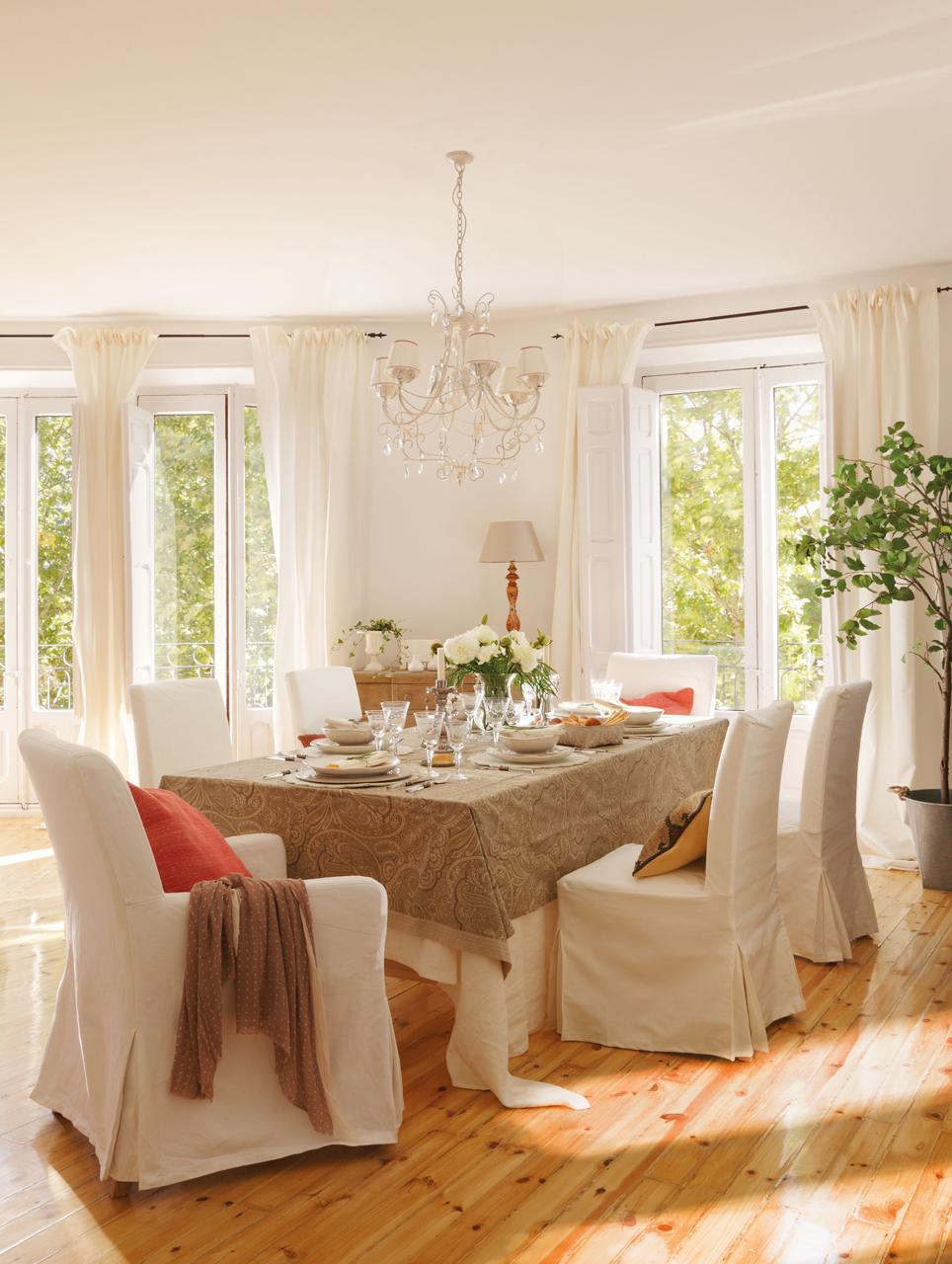 Consejos para decorar el comedor for Comedor 10 sillas