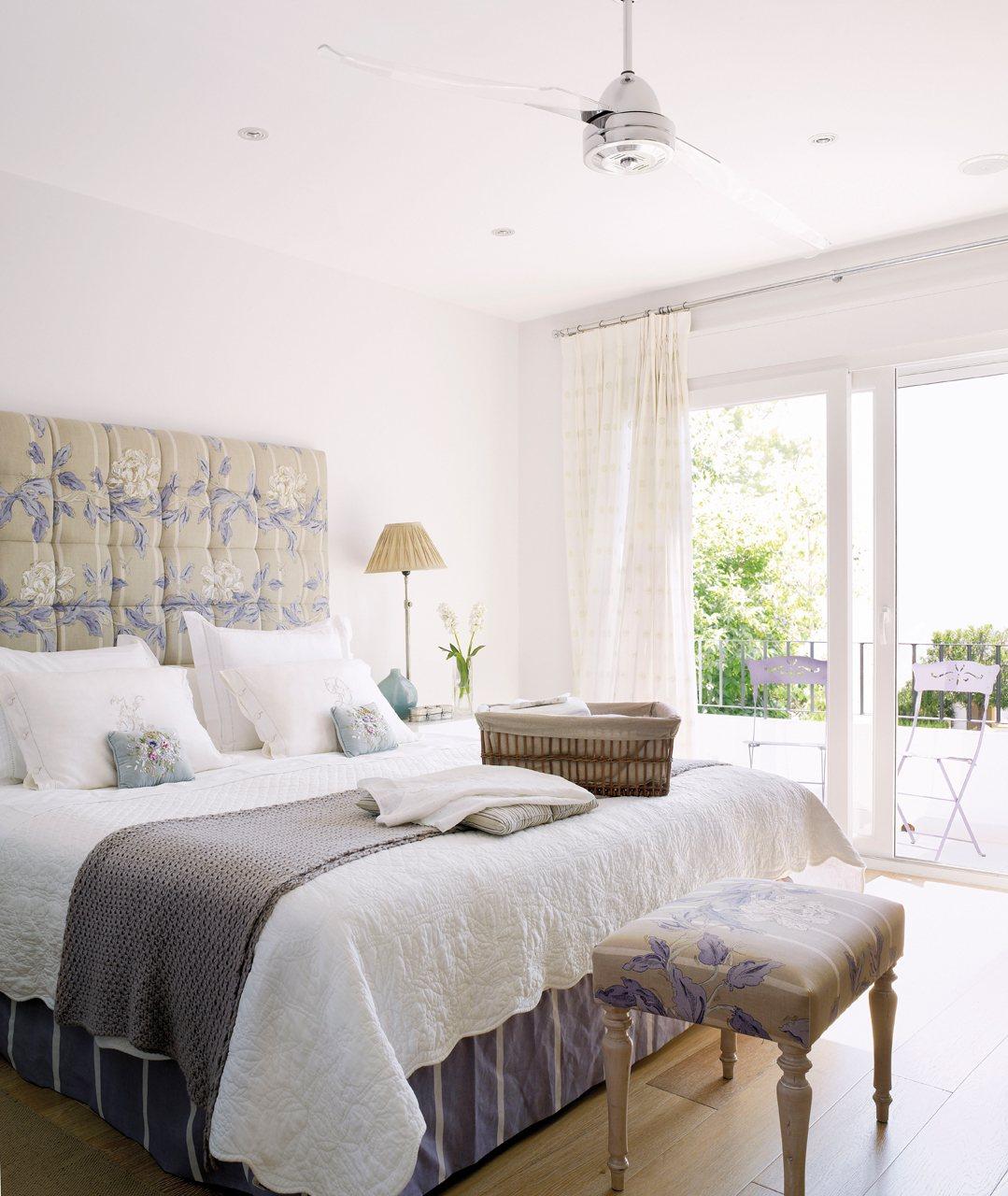 Estrena dormitorio renovando las telas - Decorar muebles con tela ...