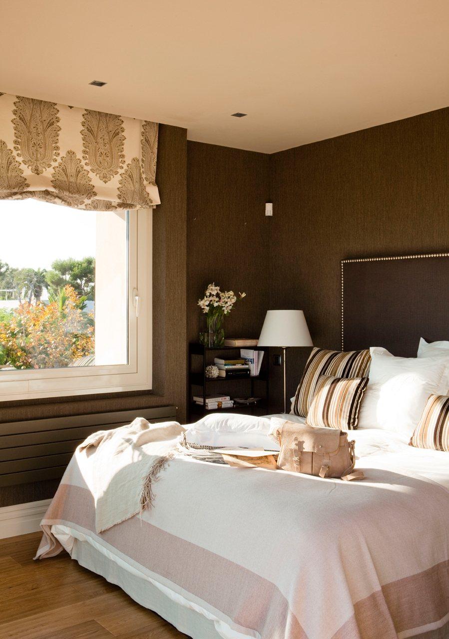 Una casa donde triunfa la comodidad for Dormitorio principal