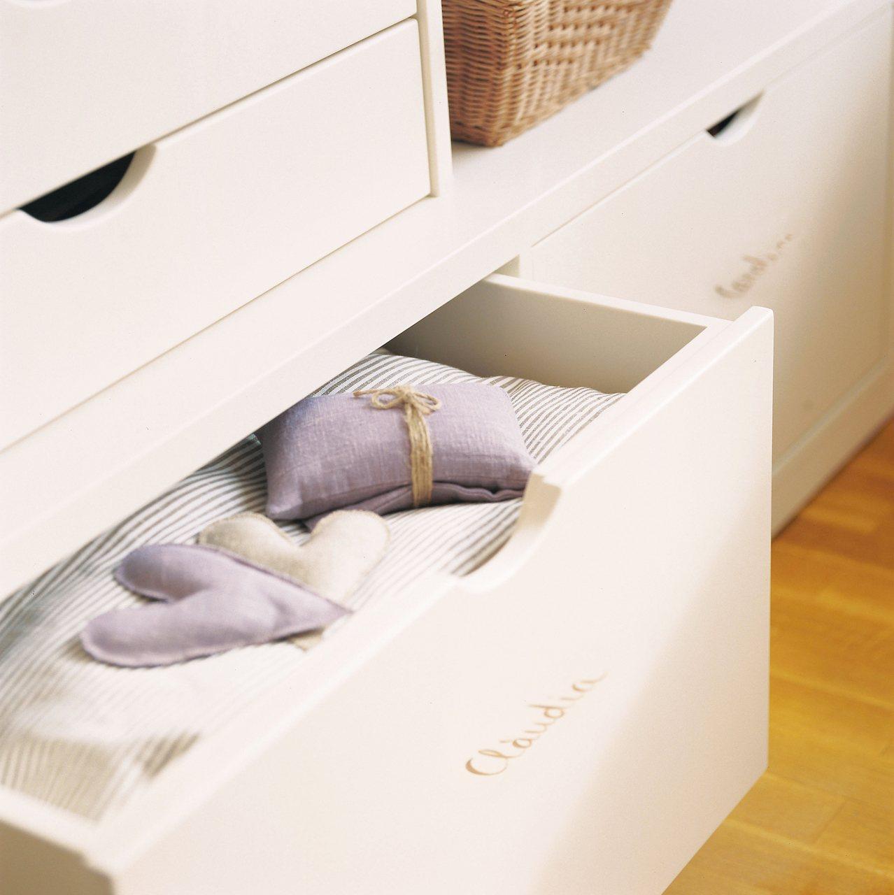 Soluciones de almacenaje en la habitaci n de los ni os - Cajones bajo cama ...