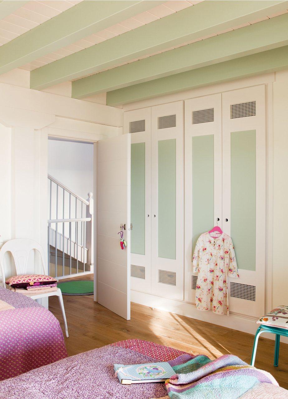 Soluciones de almacenaje en la habitaci n de los ni os for Armarios roperos para dormitorios