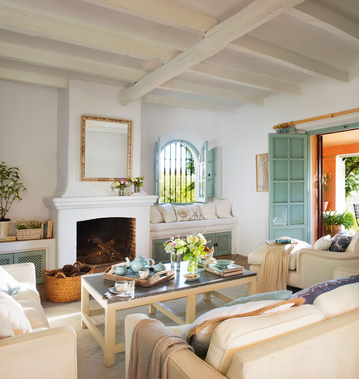 15 salones con chimenea para el invierno - Chimenea de pared ...