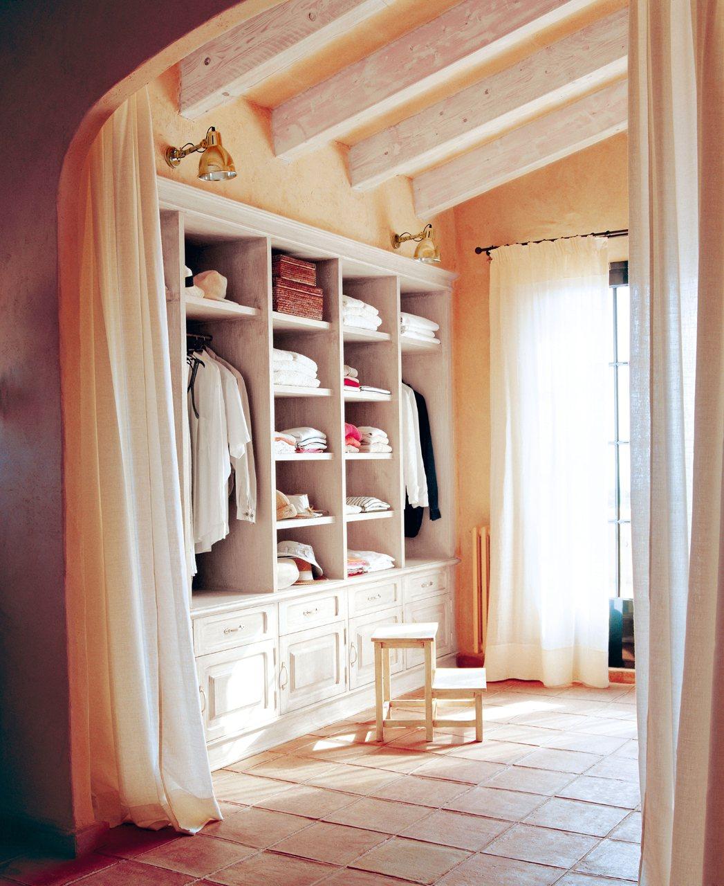 El vestidor perfecto con el m nimo gasto for Armarios bonitos y baratos