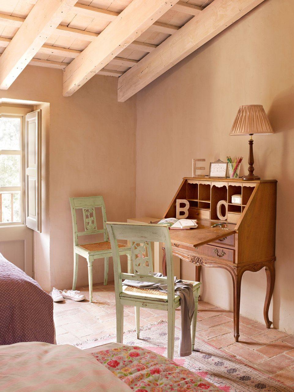 C mo renovar un mueble t mismo - Sillas antiguas restauradas ...