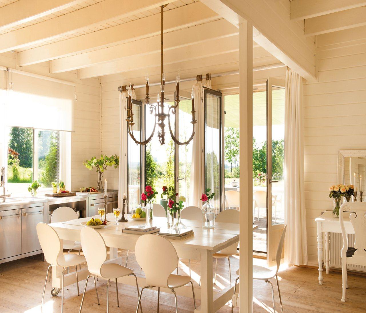 Una casa de madera decorada con mucho estilo - Casas con estilo ...