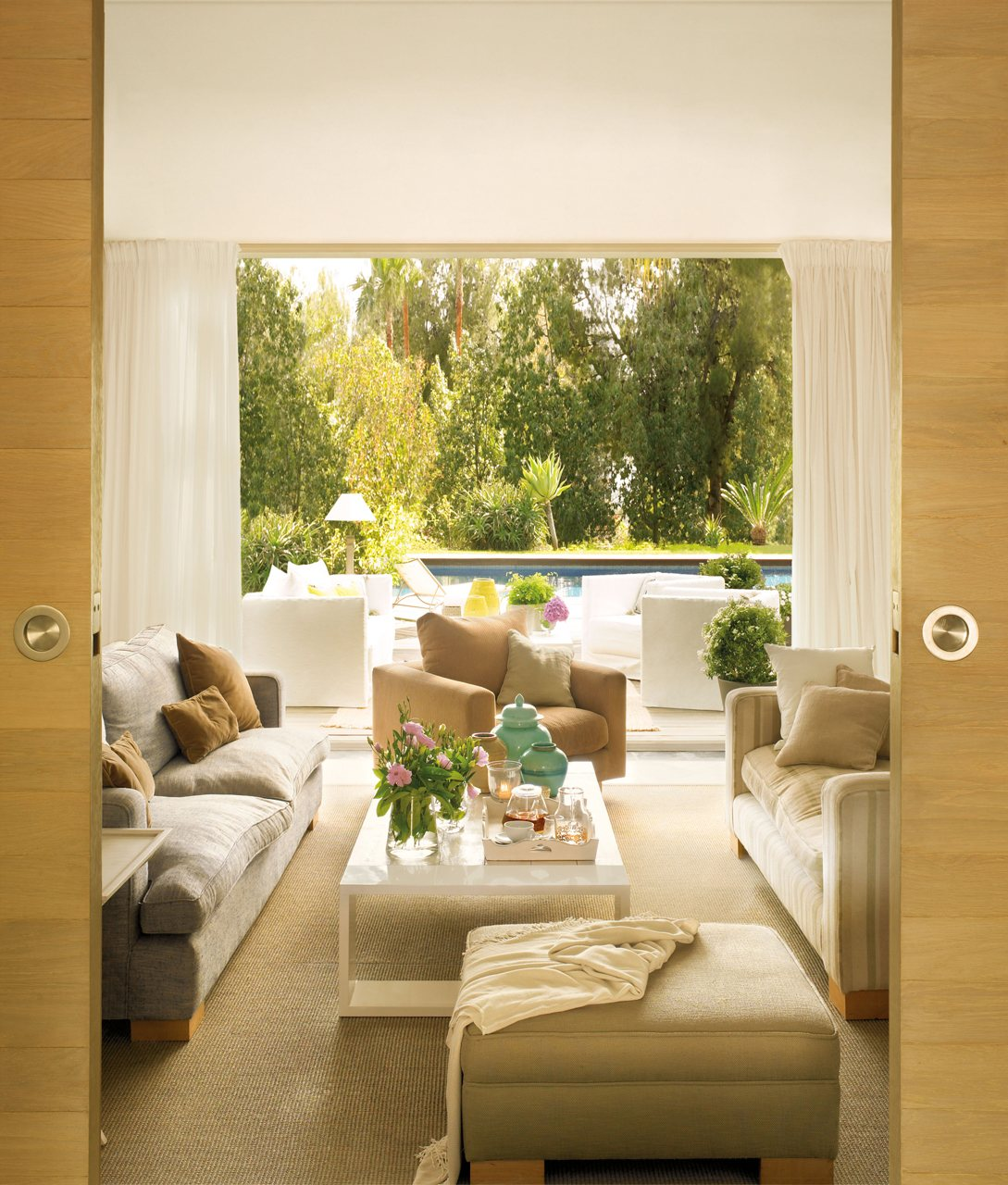 Ideas para decorar espacios peque os y ganar espacio - Salon sin puerta ...