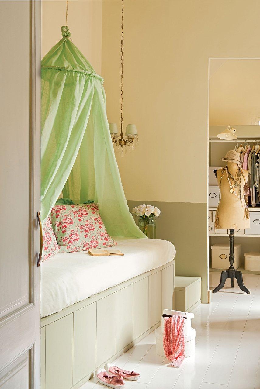Dormitorio juvenil con dosel. Dormitorio juvenil