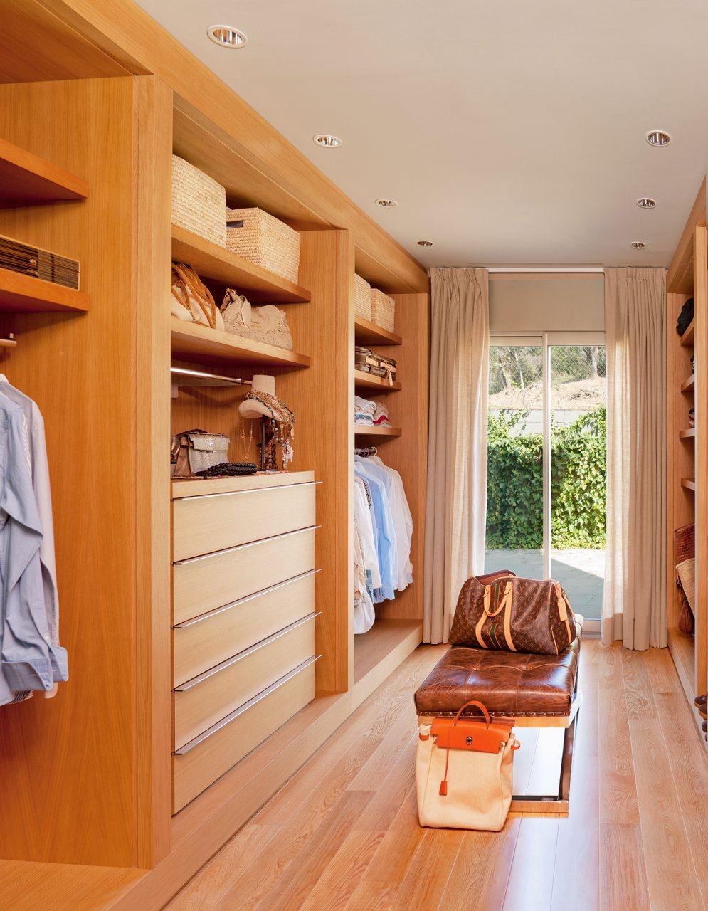 Ba o con vestidor medidas for Cuarto con walking closet