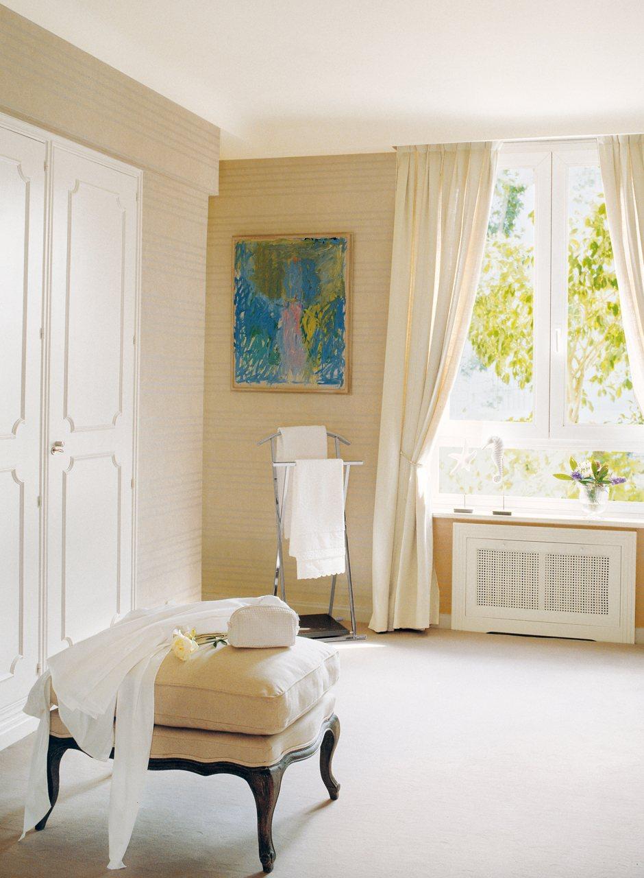 Aprovecha las ventanas y tendr s espacio extra - Ideas para cubrir radiadores ...