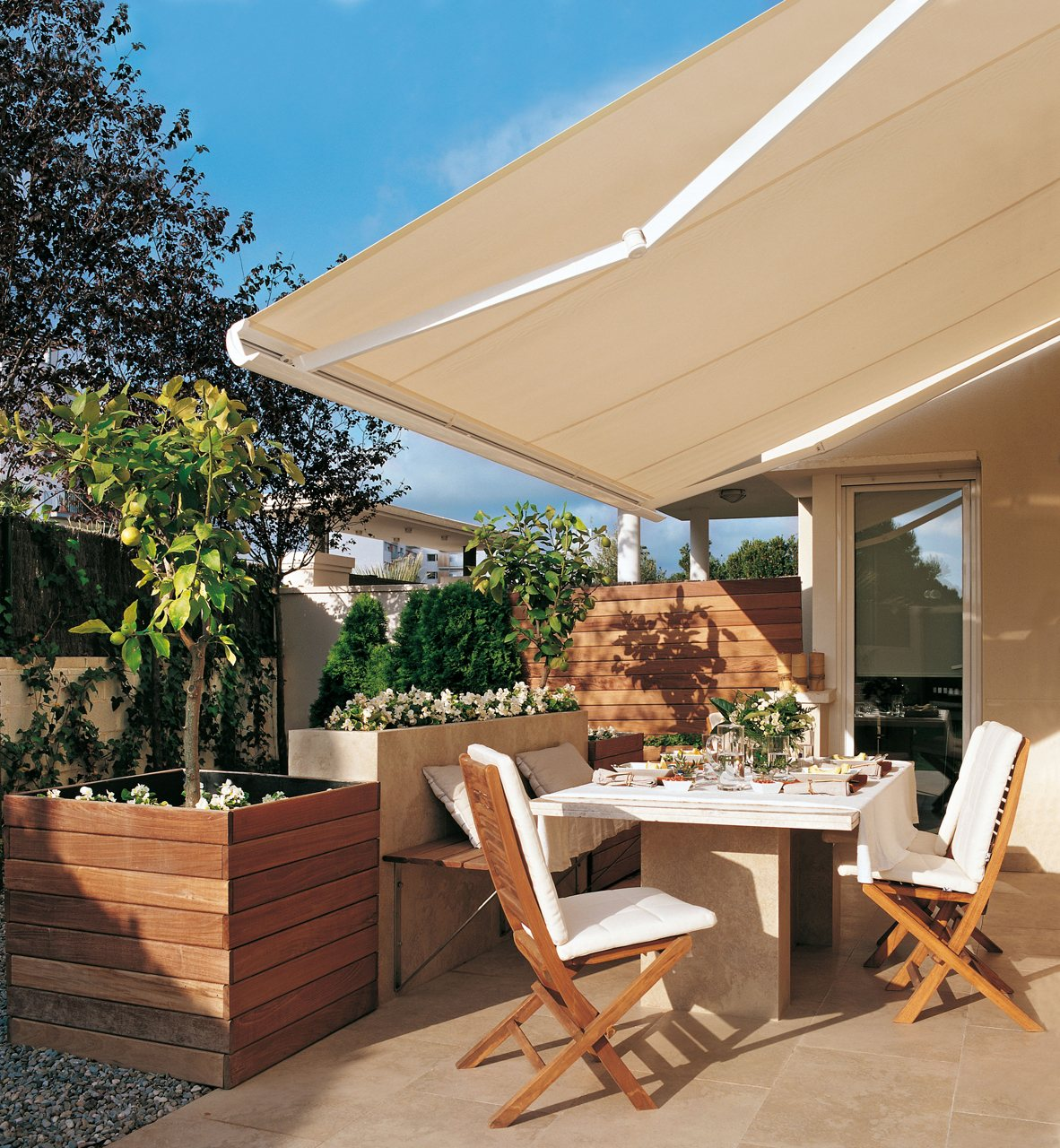 Saca partido a una terraza peque a for Repuestos para toldos de terraza