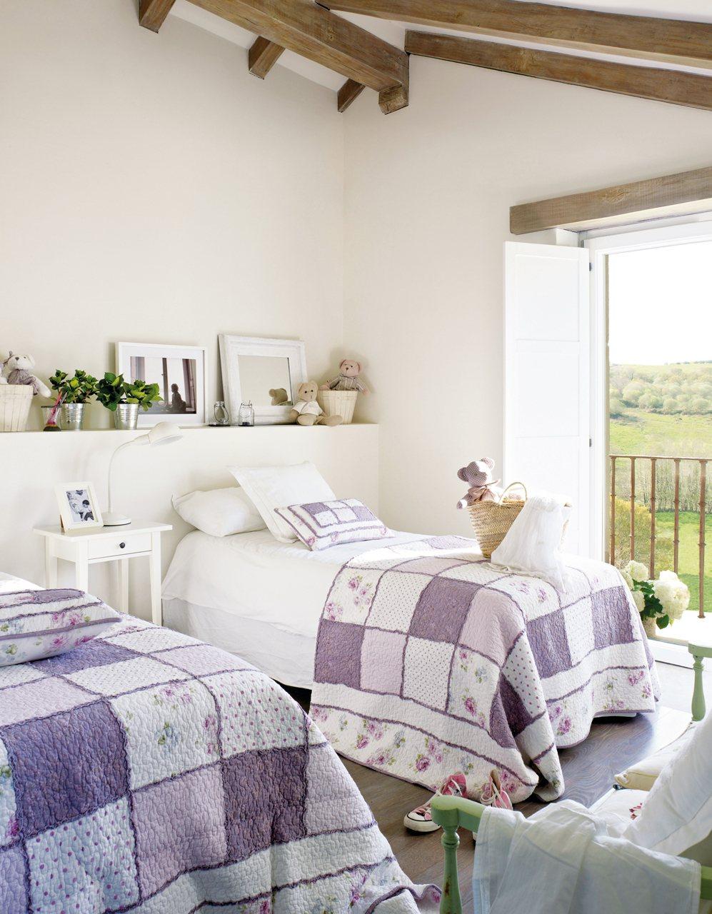 Claves de decoraci n de una habitaci n infantil - Dormitorio con dos camas ...